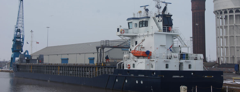 freight forwarding immingham, stevedoring goole, chartering hull